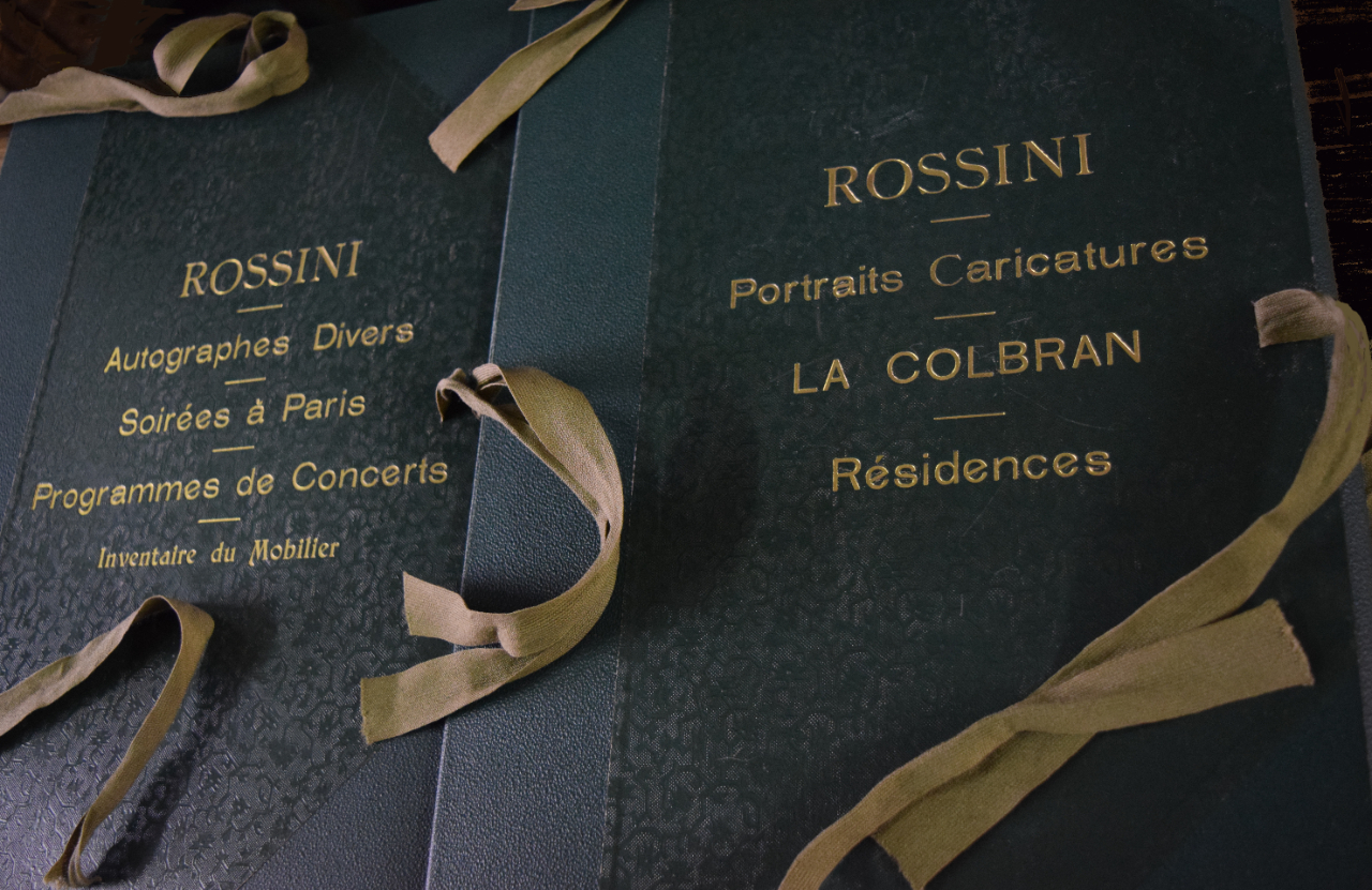 Folders with gold print for the Rossini Museum, commissioned by Michotte.