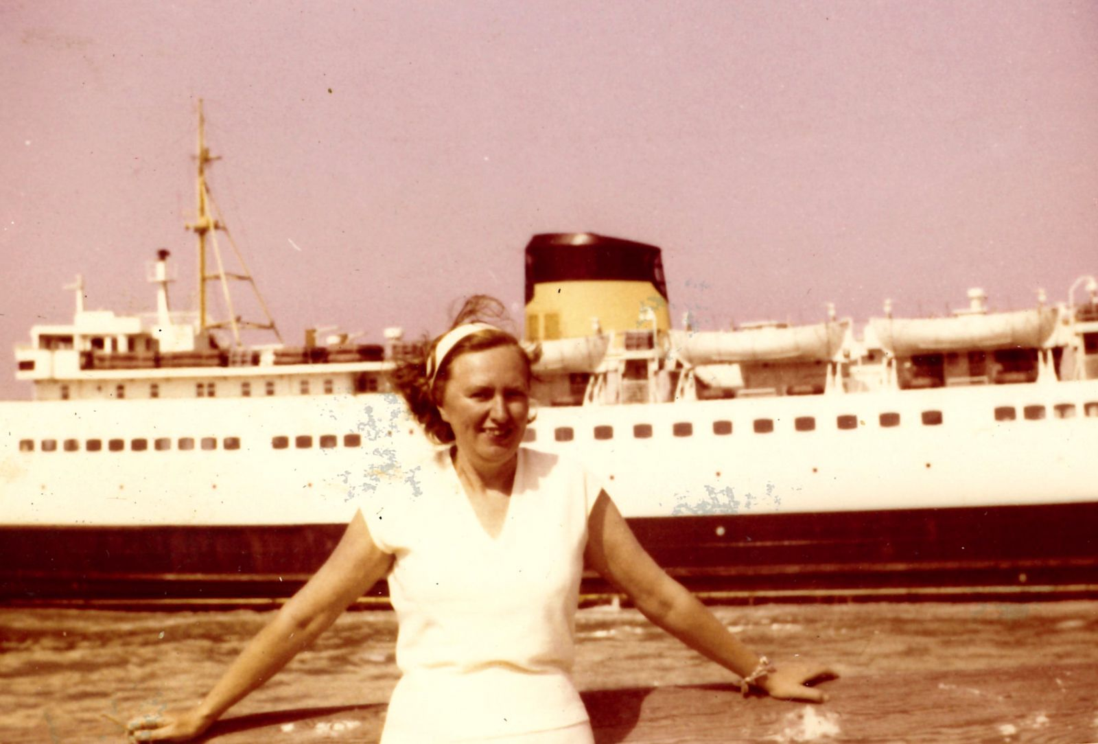 Josette Lavergne in the harbour of Ostend.